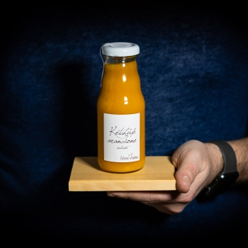 Handgemachter oranger...